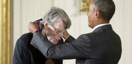 Stephen King riceve la National Medal of Arts