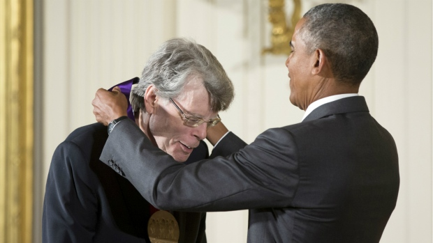 Stephen King riceve la National Medal of Arts