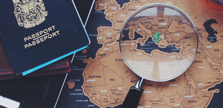 Viaggi di carta e inchiostro tra Parigi, Londra e Roma