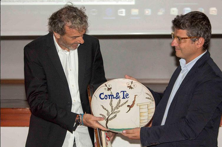 Premio Com&Te a Emilio Targia per