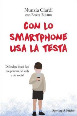 CON LO SMARTPHONE USA LA TESTA